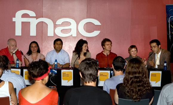 rueda de prensa en la FNAC